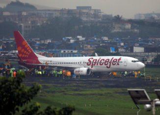 SpiceJet skids in Surat